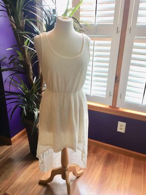 Off white lace maxi dress size med slip underneath long back short front for Sale in Coraopolis, PA