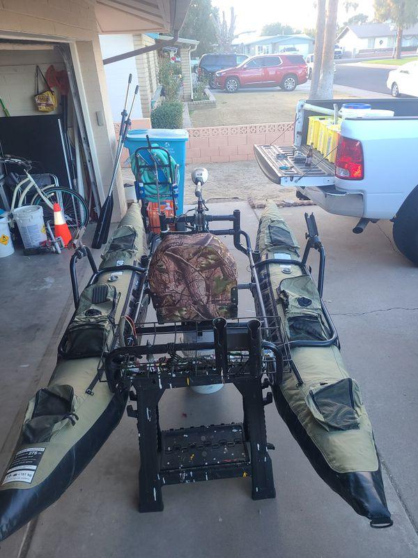Inflatable 9' pontoon boat