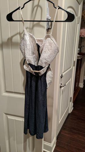 Women's size 3 white and blue zipper dress with belt for Sale in Nashville, TN
