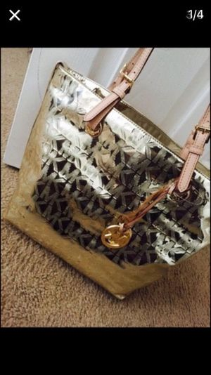 AUTHENTIC MICHAEL KORS TOTE BAG for Sale in Washington, DC