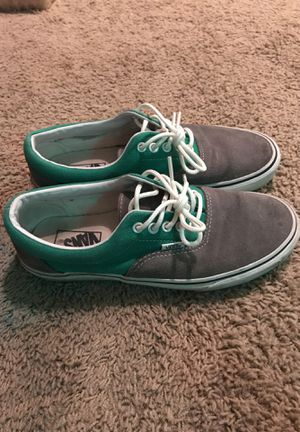 """Vans Men's 8.5 in Great Condition. Suede Toe Box, canvas heel area. Traditional Vans """"Off the Wall"""" midsole and Gum soles. for Sale in Omaha, NE"""