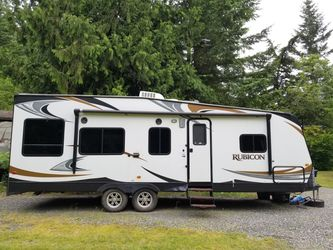 2014 Keystone Rubicon RB2500 Toy Hauler for Sale in Maple Valley,  WA
