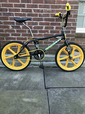 DYNO COMPE [BLACK and YELLOW] 80's style FREESTYLE BMX BIKE for Sale in Alexandria, VA