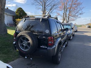 "2003 Jeep Liberty for parts with 2"" lift kit (part out) for Sale in FORDS, NJ"