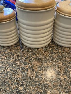 3 Piece Bee Hive Canister Set for Sale in Thornton,  CO