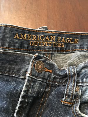 American Eagle men's jeans 32x34 and three dress shirts mediums for Sale in North Ridgeville, OH