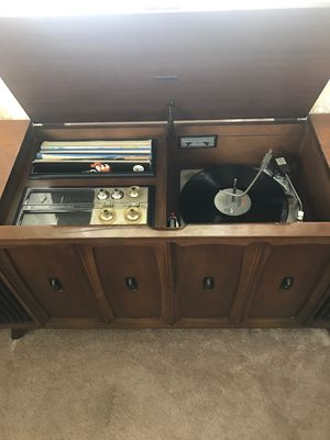 Vintage record player for Sale in Chicago, IL