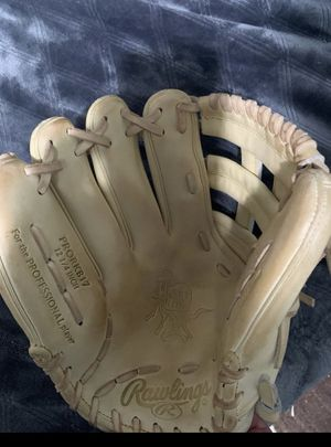Rawling Heart of Hide 12.25 Baseball Glove for Sale in Ramona, CA