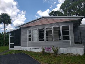 **INVESTORS Mobile Home - Doublewide** for Sale in Palm Beach Shores, FL