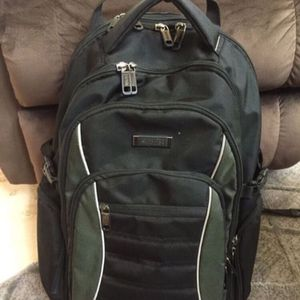Kenneth Cole reaction laptop backpack for Sale in Denton, TX