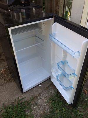 Fridge/freezer Avanti for Sale in Grandville, MI