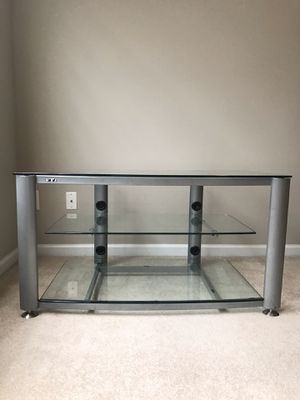 VTI, TV Stand, Good Condition for Sale in Raleigh, NC