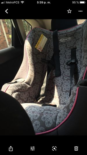 A car seat in excellent conditions !!!!! Many clothes of girls!!! Many are New or few uses for Sale in Houston, TX