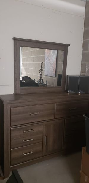 Dresser and mirror for Sale in Denver, CO
