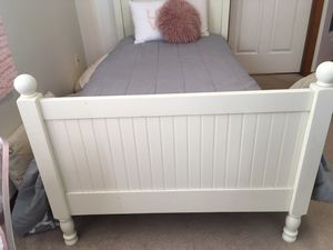 Pottery Barn bedroom set for Sale in Bothell, WA