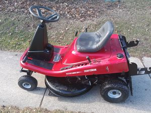 13.5 hp 30 inc Deck excellent condition new battery it's automatic transmission for Sale in Fort Wayne, IN
