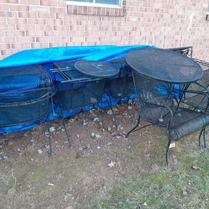 Metal Rod Patio Lounge Setting Set 10 Pieces. for Sale in Clarksburg, MD