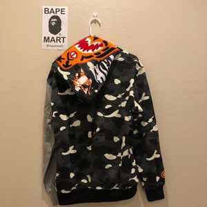 Bape tiger hoodie grey camo (fits like medium/large) for Sale in Los Angeles, CA