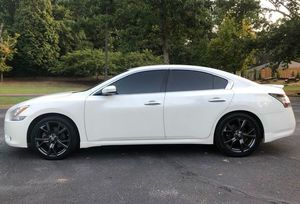 Good Tiress 2010 Nissan Maxima 2WDWheels! for Sale in Bridgeport, CT