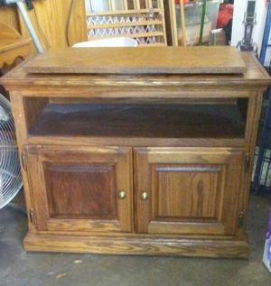 Wooden lazy Susan TV stand for Sale in Rock Island, IL