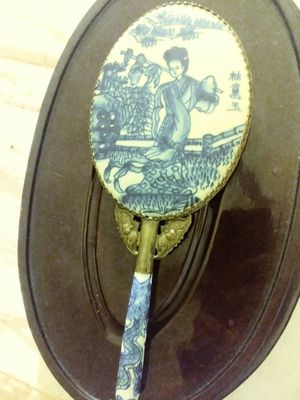 Antique porcelain hand mirror for Sale in Columbus, OH