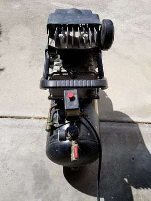 Air compressors and air hose for Sale in Kissimmee, FL
