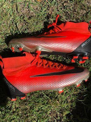 Nike Soccer kids shoes size 6 1/2 for Sale in Palo Alto, CA