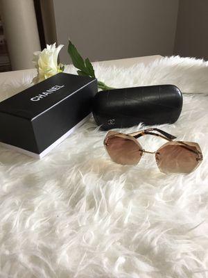 Trendy Designer Sunglasses for Sale in Bladensburg, MD