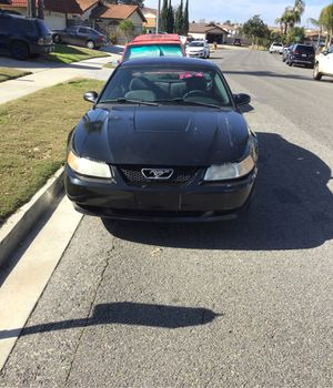 2004 Ford Mustang stick shift 5 speed current registration clean title one hands for Sale in Oceanside, CA