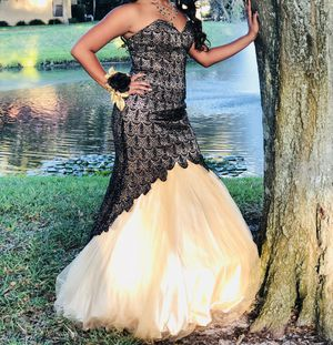 Prom Dress Black and Gold for Sale in TWN N CNTRY, FL