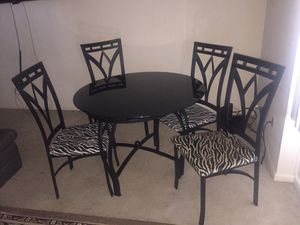 Dinning Table set with 4 Chairs for Sale in Silver Spring, MD