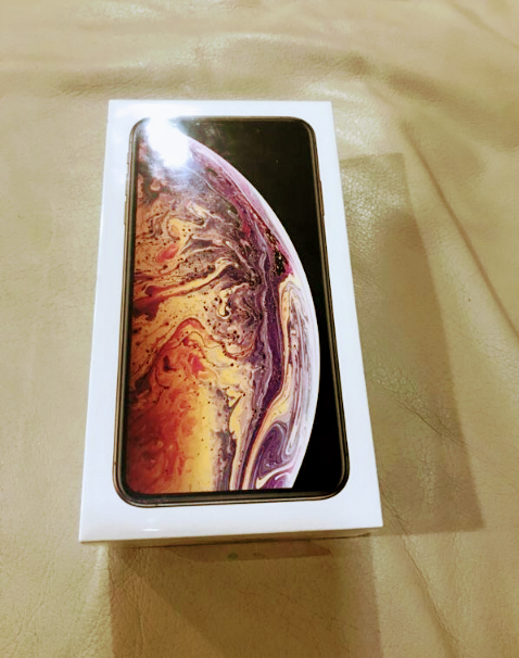 iPhone xs max 256gb Sprint sealed
