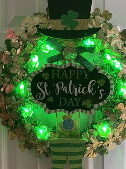 ❤️artesania VMHS Decorative For st. Patrick Day Wreath With Battery 🔋 Light for Sale in Chicago,  IL