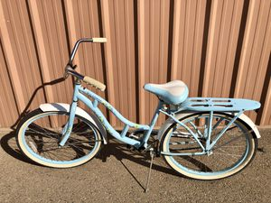 Schwinn Windwood Woman's Bike for Sale in Fresno, CA