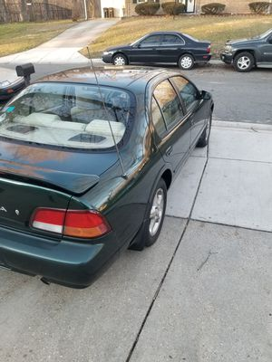 99 MAXIMA se AUTOMATIC TRANSMISSION CLEAN TITLE no MECHANICAL ISSUES for Sale in Washington, DC