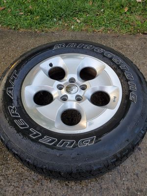 All 5 Jeep Sahara Wheels and Tires for Sale in Middleburg Heights, OH