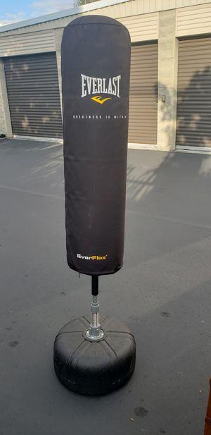 Everlast everflex punching bag kickboxing bag for Sale in Renton, WA
