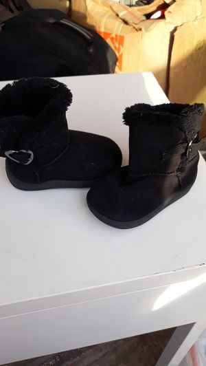 Little girl black boots for Sale in PT ORANGE, FL