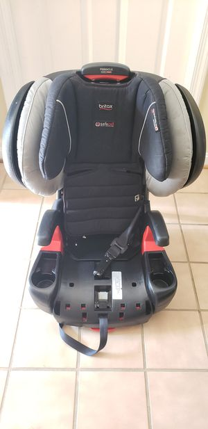 Britax Pinnacle ClickTight Harness-2-Booster Car Seat - 3 Layer Impact Protection - 25 to 120 lbs. - Cool Flow Ventilating Fabric for Sale in Rockville, MD