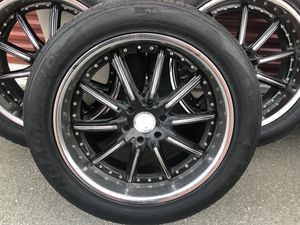 """22"""" rims. 6 lug Black with chrome lip, rims for Sale in Hollister, CA"""