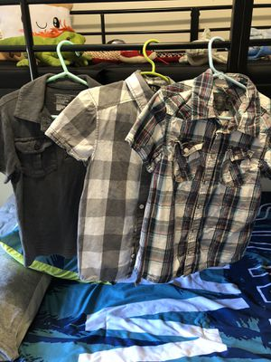 Boys short-sleeved shirts Size 5/6 for Sale in Nipomo, CA