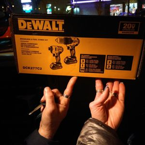 DeWalt 2- Tool Combo Kits 20 Volts Brushless for Sale in Tacoma, WA