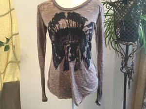 Women's size medium long sleeves top for Sale in Darrington, WA
