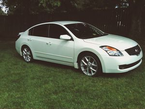 FUN TO DRIVE 2007 NISSAN ALTIMA 3.5L PRACTICAL CAR for Sale in Worcester, MA