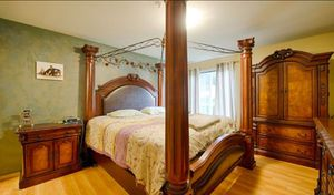 Luxury Bedroom Set for Sale in Kirkland, WA