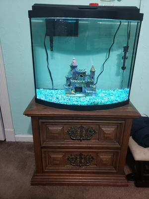 30 gallon fish tank and accessories need gone! for Sale in Virginia Beach, VA