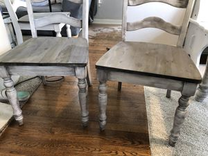 Dining room table for Sale in Woodhaven, MI