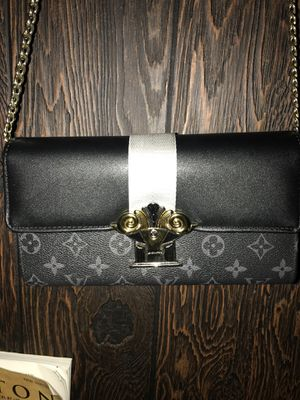 Louis Vuitton Crossbody Bag for Sale in Beaumont, TX