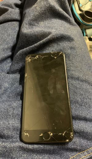 iPhone 7 Plus 128gb sprint everything works zero iCloud for Sale in Stockton, CA