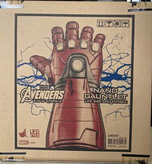 New Hot Toys Endgame Iron Man Nano Infinity Gauntlet 1:1 Life Size for Sale in Los Angeles, CA